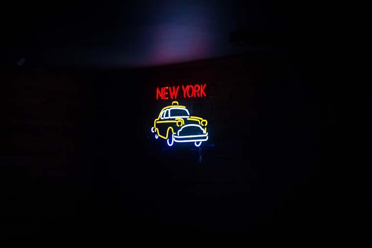menage-a-trois-new-york-evidenza